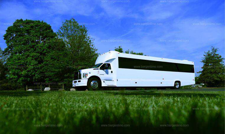 party-bus-ford-f750-nj-2-762x456